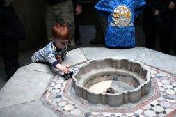Benjamin and fountain