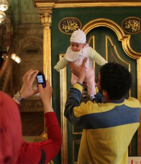 baby at mihrab