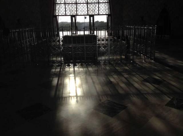 Mausoleum0`